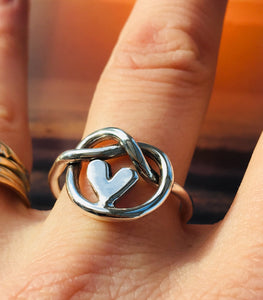 Knot of friendship heart ring