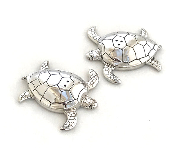 Turtle salt and pepper shakers