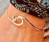 Wave heart bangle