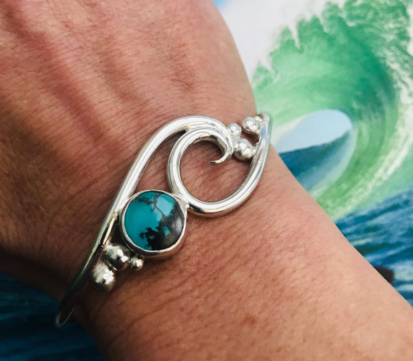 Wave bracelet with turquoise