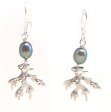 Seawee earrings with black pearls by Pa-pa