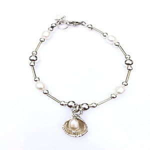 Cockle and pearl bracelet