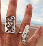 Waves, pebbles and seagulls ring