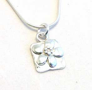 Silver flower necklace by Pa-pa jewellery