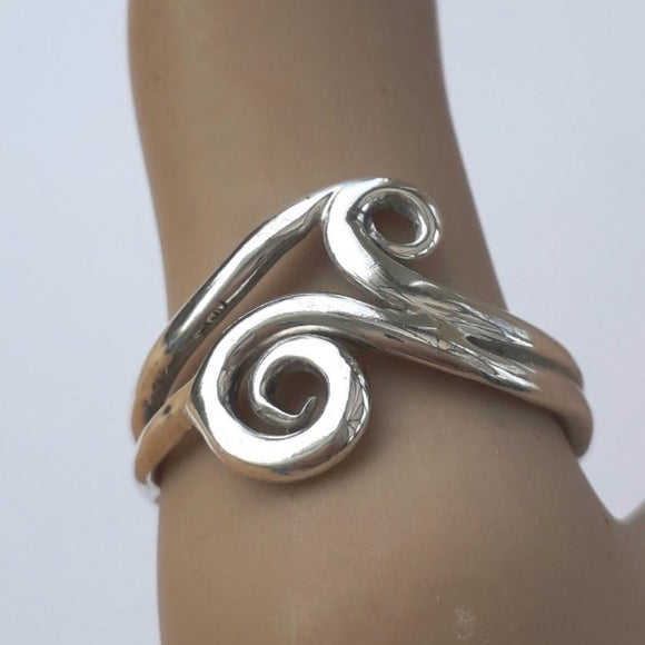 Welsh celtic wave ring