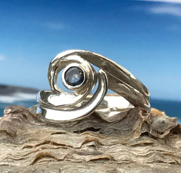 Wave sapphire ring