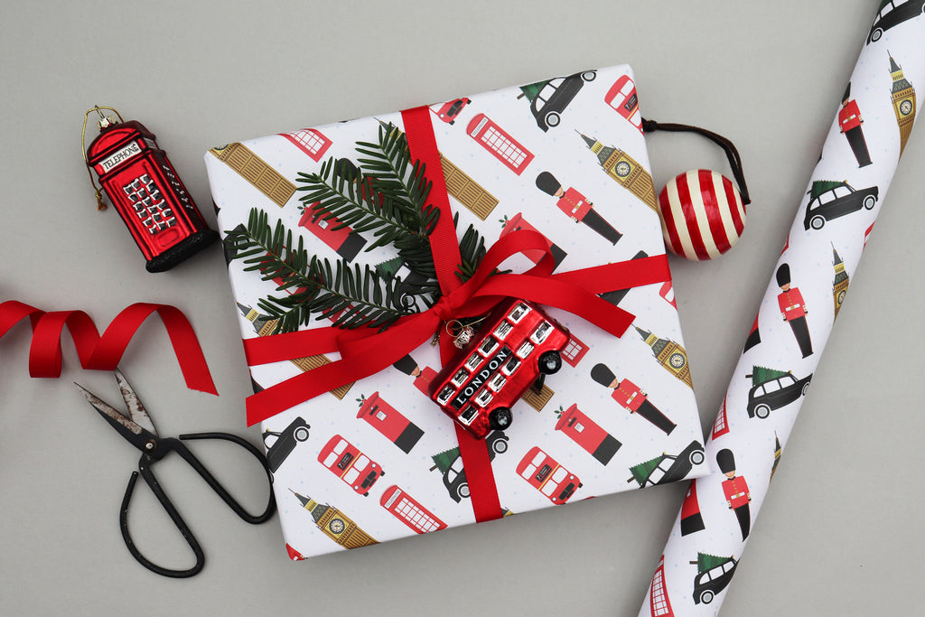 LONDON SNOW CHRISTMAS WRAPPING PAPER