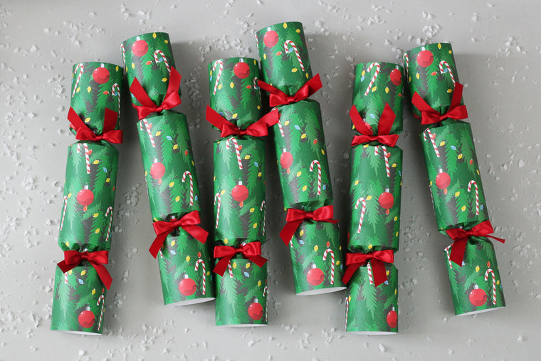 6 Christmas crackers with Christmas Tree design | Nancy & Betty Studio