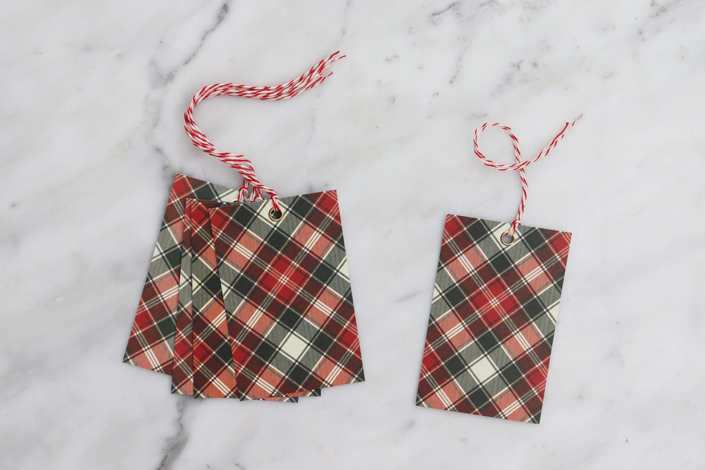 TRADITIONAL TARTAN CHRISTMAS GIFT TAGS