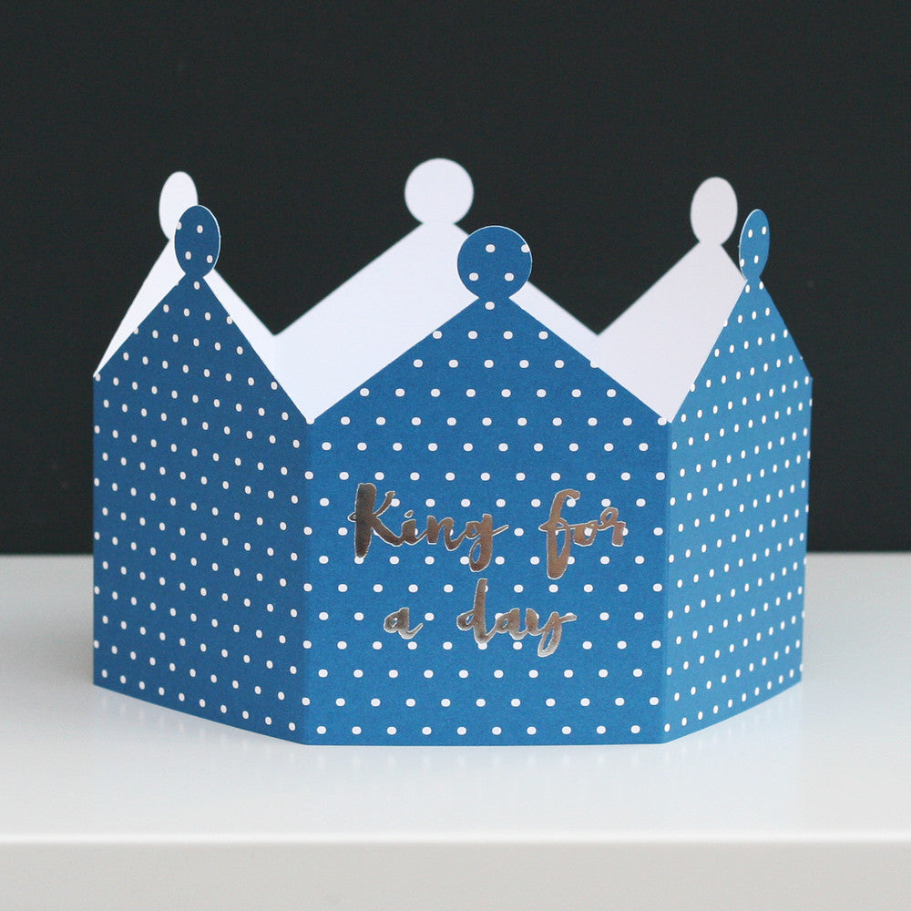 KING & QUEEN CROWN CARD