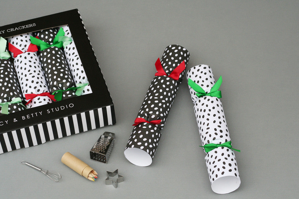 SPOTTY LUXURY CHRISTMAS CRACKERS