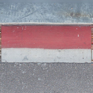 Smooth Red Curb
