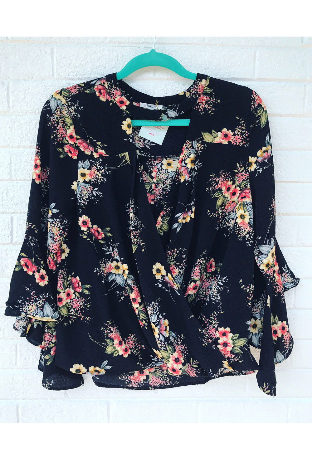 Mix Flowy Top - Black