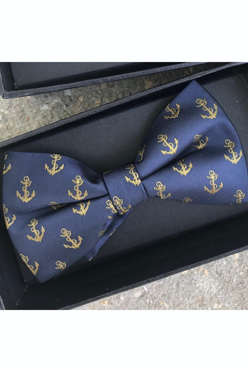 Bowtie - Navy Anchors