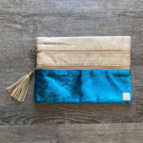 Versi Makeup Bag- Into the Blue Teal Velvet - Bronco Western Supply Co.