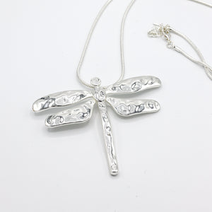 Long Dragonfly Necklace in Hammered Metal Texture - Vz Collection