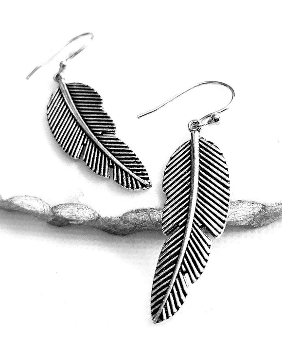 Feather Earrings - VzCollection