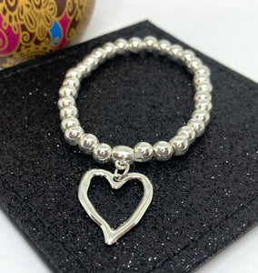 Textured Heart Charm Bracelet - VzCollection