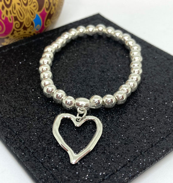 Textured Heart Charm Bracelet - Vz Collection