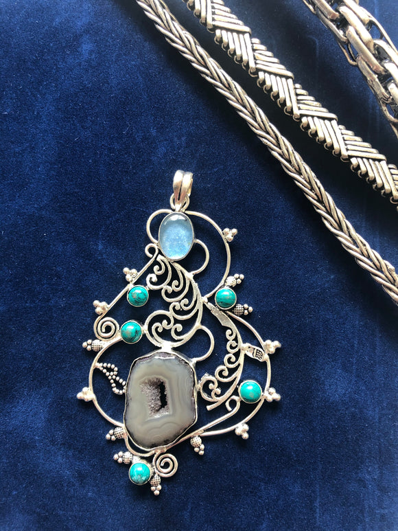 Moon Stone Agate and Turquoise Pendant - VzCollection