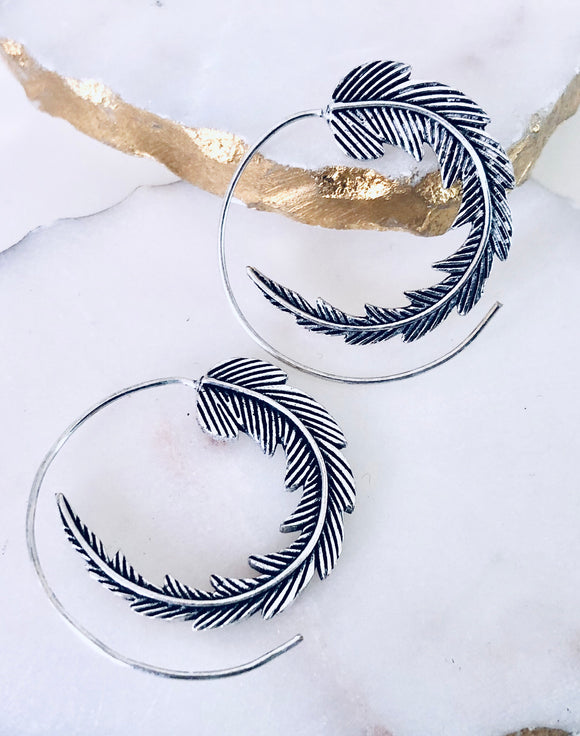 Loop Feather Earrings - VzCollection