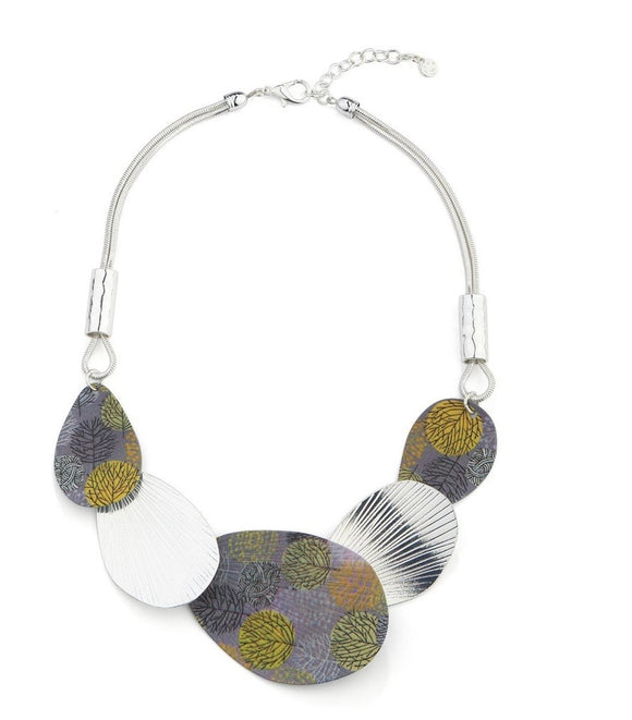 Petal Shaped Resin Beads Necklace - Vz Collection