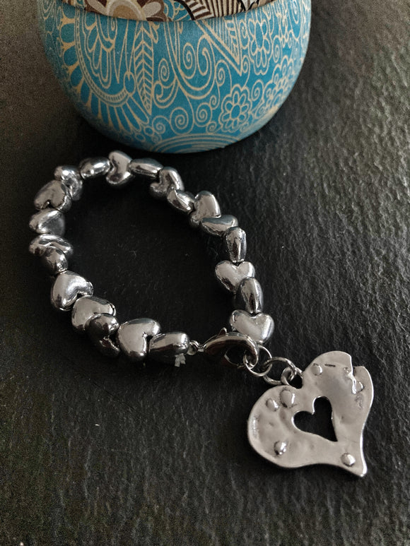 Textured Heart Charm with Heart Shaped Beads Elasticated Bracelet - VzCollection