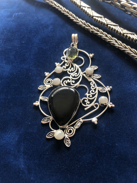 Green Citrine, Black Onyx Pendant - VzCollection