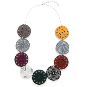 Laser Cut Floral Pattern Necklace - VzCollection