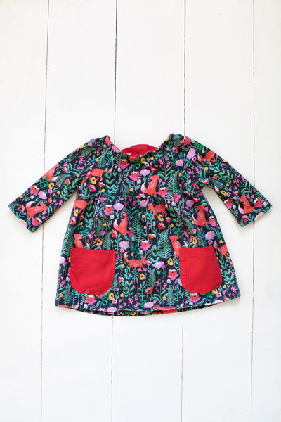 Top with pockets in fox floral