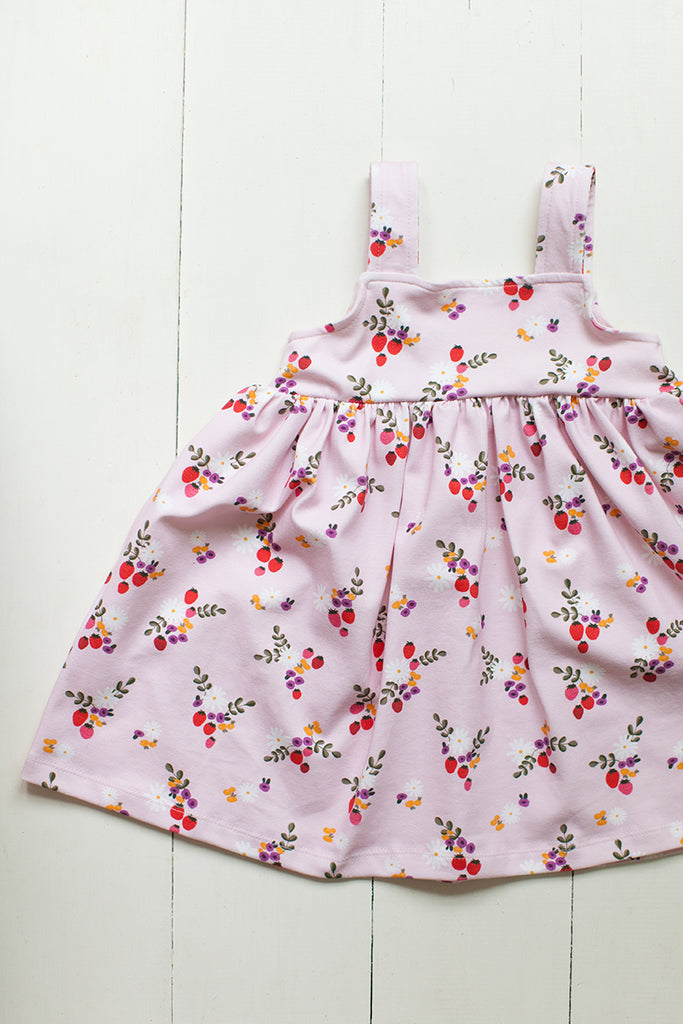 Jumper dress in Strawberry floral