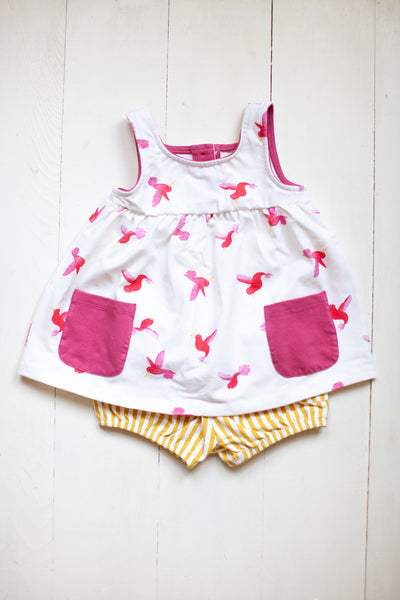 Tank top with pockets in Hummingbirds