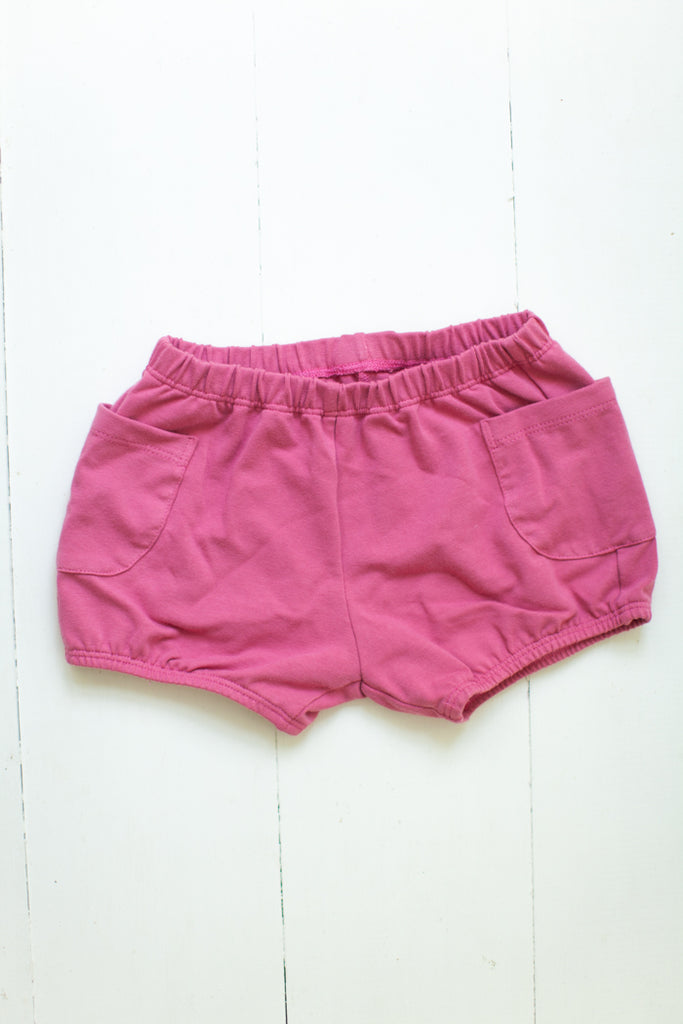 Bloomers in berry