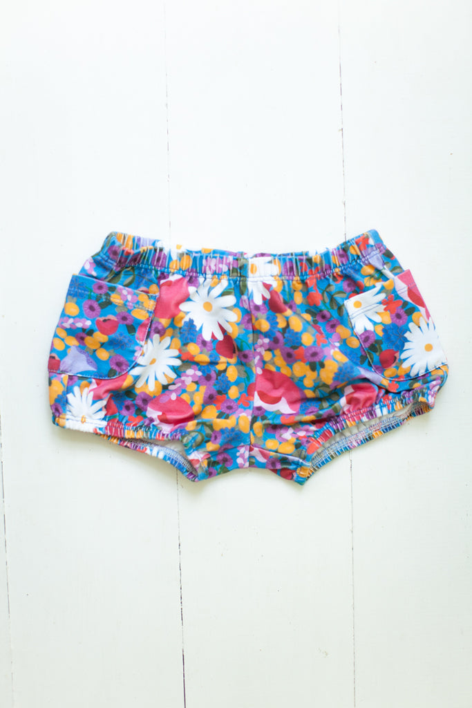 Bloomers in Scandinavian floral