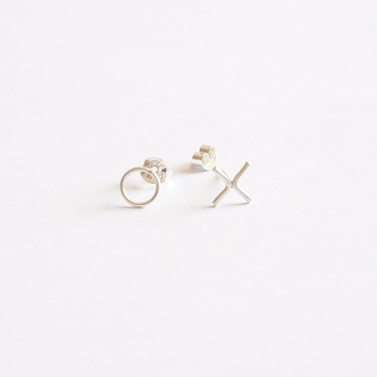 Fun and Cool Hugs and Kisses (X's & O's) stud earrings - 0251 - Virginia Wynne Designs
