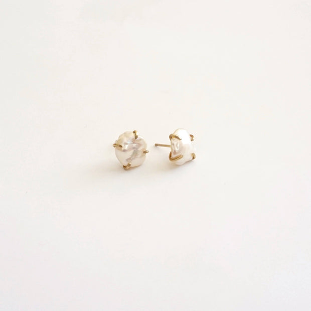 Fresh Water Keshi Pearl Stud Earrings 0281