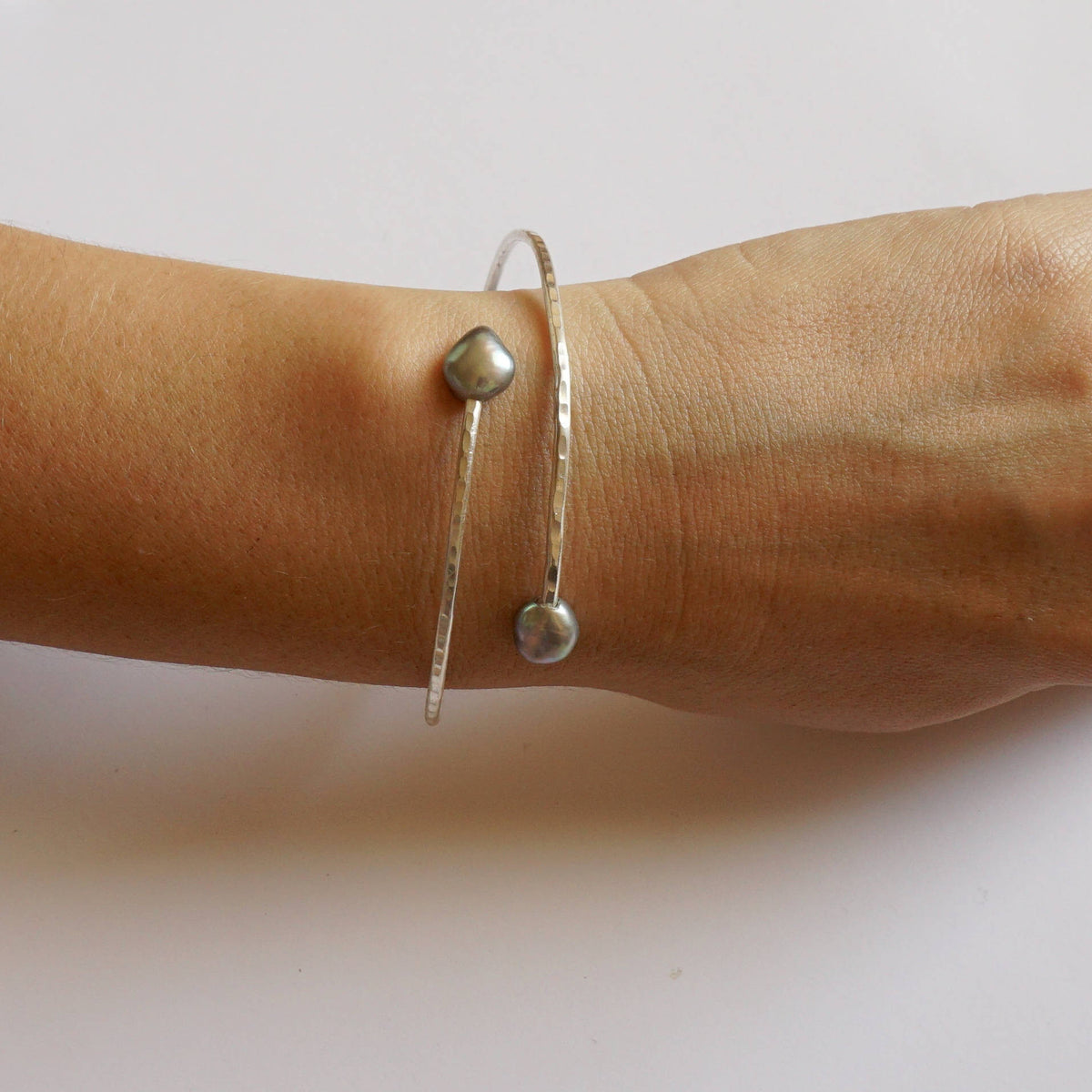 Double Pearl 2mm Hammer Bangle Bracelet 0232 - Virginia Wynne Designs