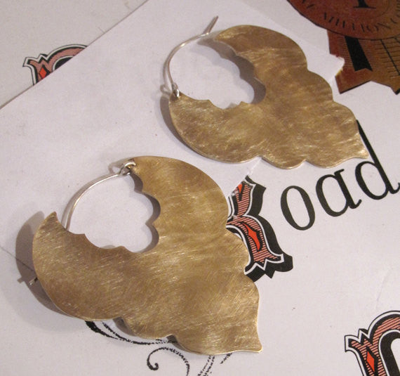 Bold Hand-Made, Flat Honey-Colored, Brushed Finish, Brass Scalloped Edge Earrings - 0096 - Virginia Wynne Designs