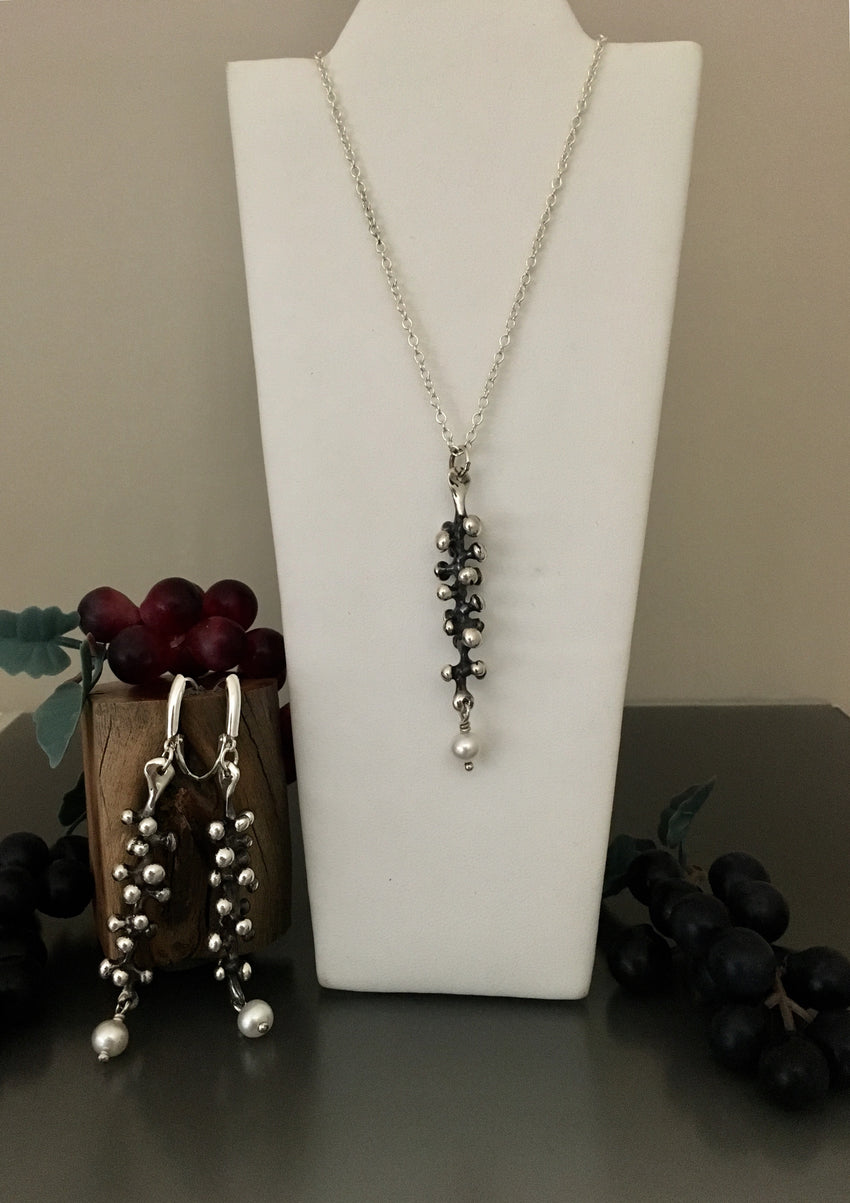Sterling Silver Grape Vine Necklace with Pearl