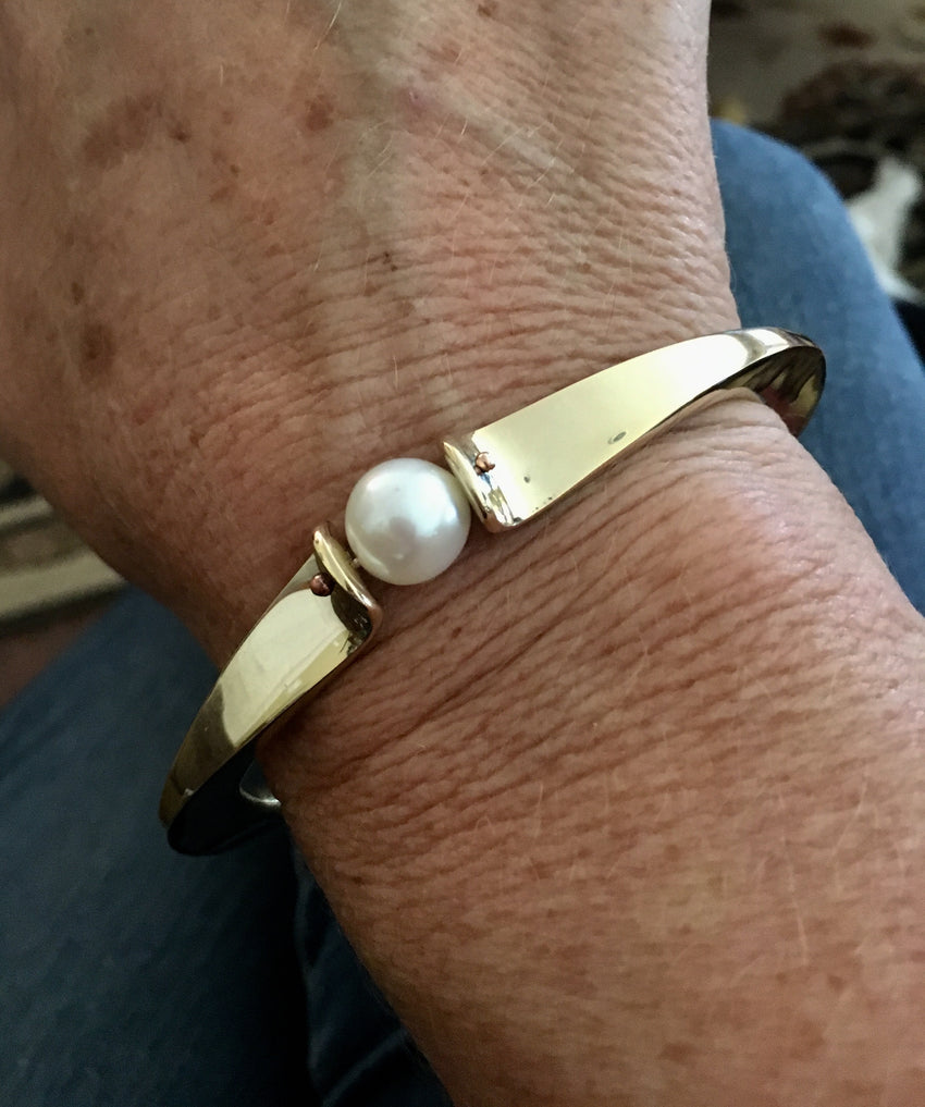 Bronze Bracelet with Pearl
