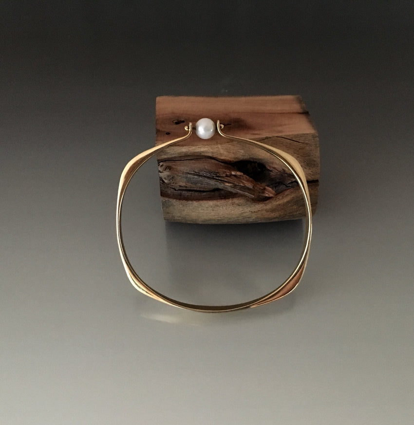 Bronze Square Shape Bracelet with Pearl