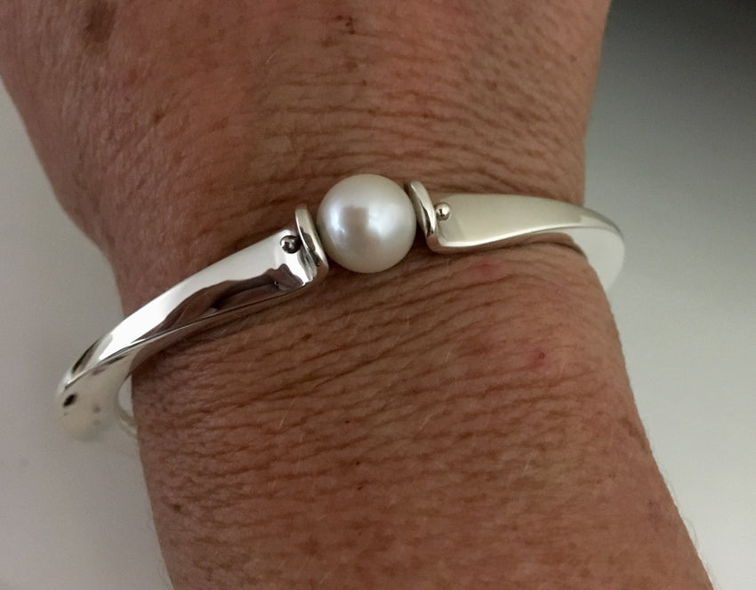 Sterling Silver Bracelet with Large Pearl