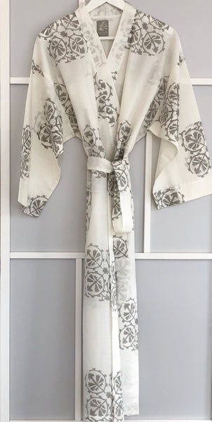 Suzani Flower Large <br> Colour Smoke <br> Robe