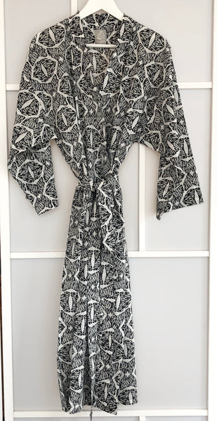 Tahlequah<br> Colour Ebony<br> Robe