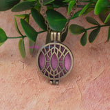 Aromatherapy Diffuser Necklace Antique Vintage Locket Style Pendant Perfume Essential Oil Aromatherapy Locket Necklace With Pads
