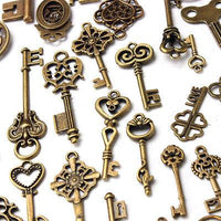 Antique Bronze Skeleton Key Decor Set of 70 Keys - Go Steampunk