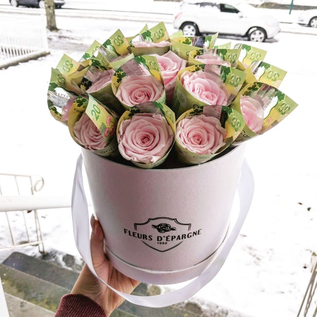 Money Bouquet in Medium Original Rose Bucket