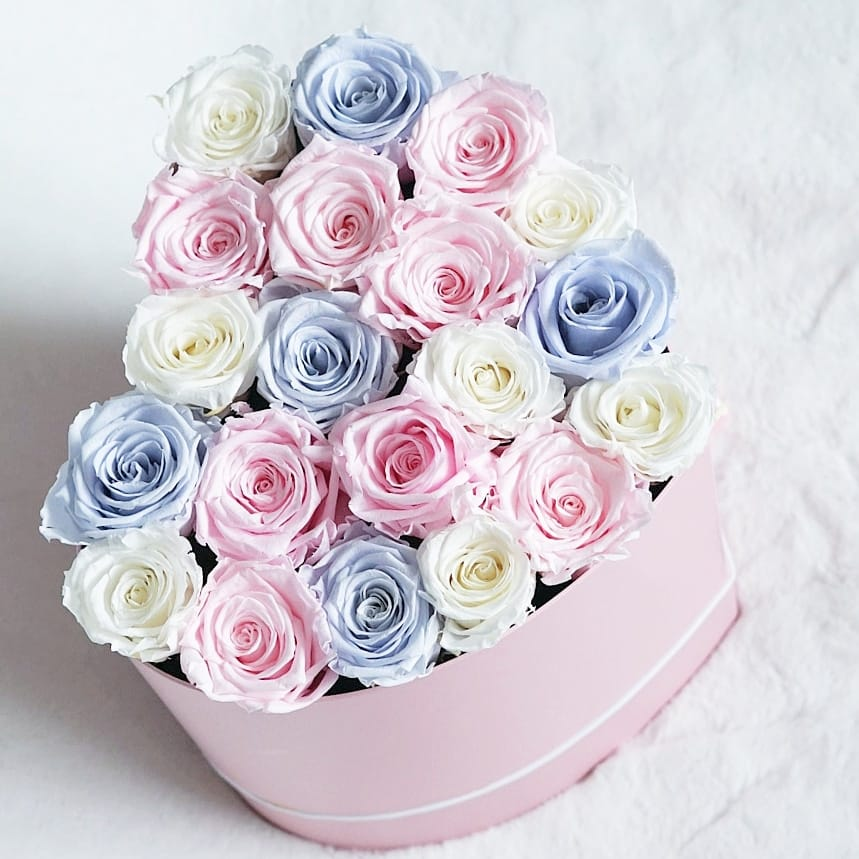 Midsummer Blooms Mix in Classic Pink Heart Box