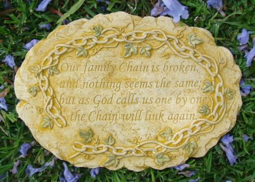 FAMILY CHAIN Memorial Wall Plaque Stone Concrete Garden Ornament Statue - the-bowerbirds-nest-of-treasures