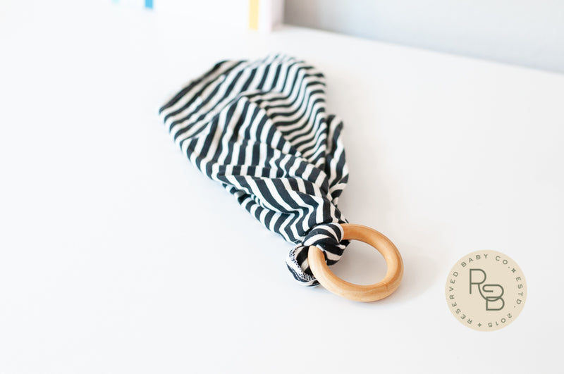 LOVEY BLANKET + TEETHER - STRIPED BLACK